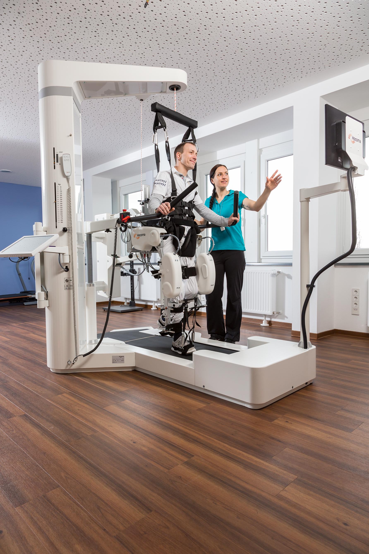 Neurologische Therapie Magdeburg - Gangtherapie im Lokomat Nanos